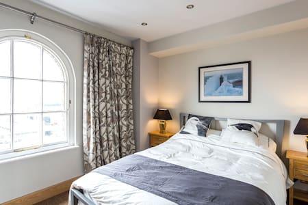 Ideal City Penthouse in Southampton - Southampton - Apartment