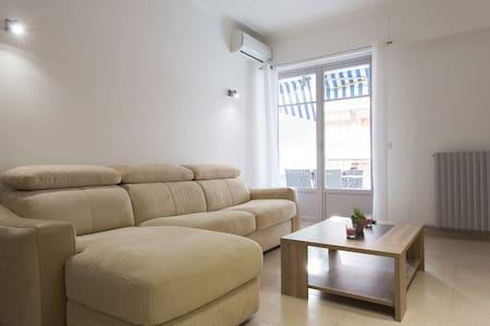 Juan les Pins centre - 2 pièces neuf proche plages - Apartment