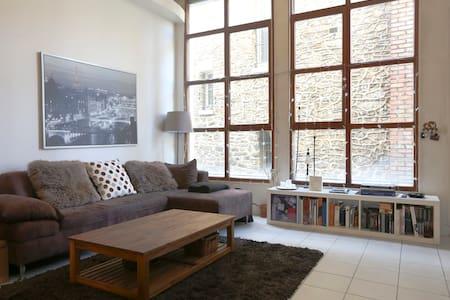 Private room in a loft near Paris