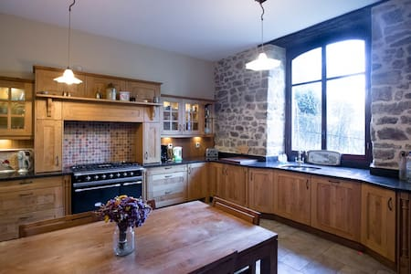 Luxury 4-Bed House in Dinan Port - Lanvallay
