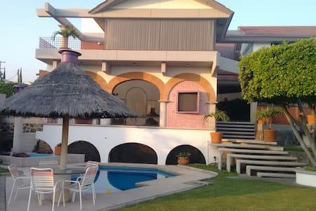 Casa Villas Lomas de cocoyoc - Fraccionamiento Lomas de Cocoyoc