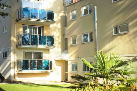 Sandbanks Peninsula,100m from beach - Apartemen