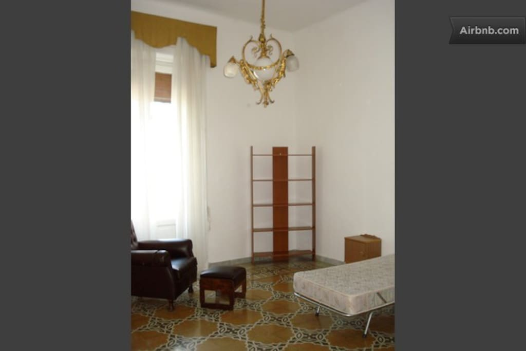 COMFORTABLE ROOM IN BARI CENTER
