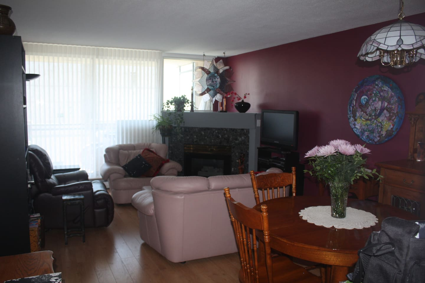 Comfortable living room to read or watch TV or if its cool sit in front of the fireplace and read