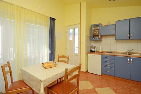 Apartment Jasminka (85751-A3) - Selce