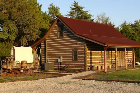 Private Luxury Cabin Near Dallas TX - Glenn Heights - Cottage