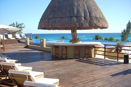 Large Beach Condo With Two Pools - Playa del Carmen - Apartment
