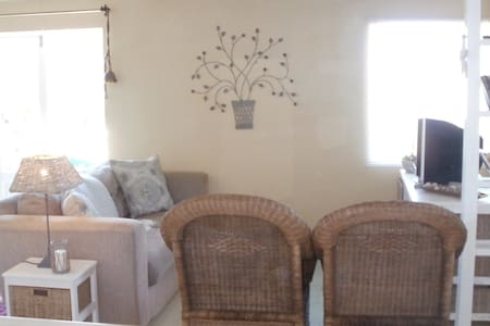 Private Cottage, Close to beach - Huis