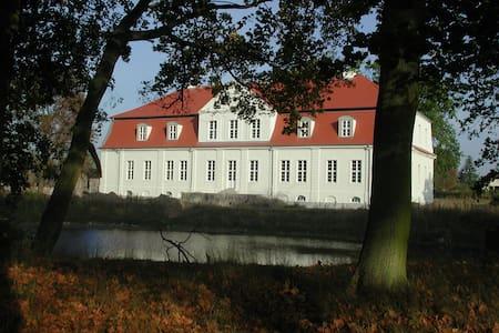 Jagdschloss Kotelow - Kotelow - Inap sarapan