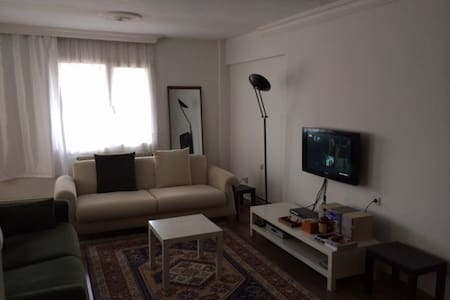 lovely , cozy private room in izmir - Apartmen