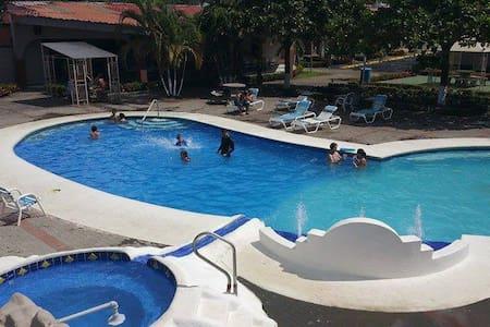 Condominio Tropical Villa 48