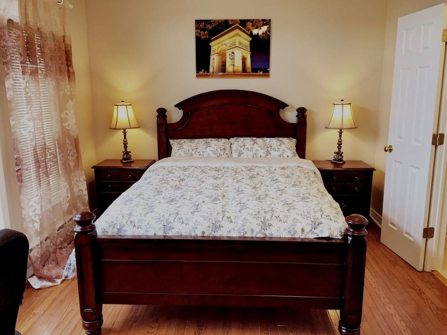 Master Bedroom In A Big House 2 5 Houses For Rent In Mississauga