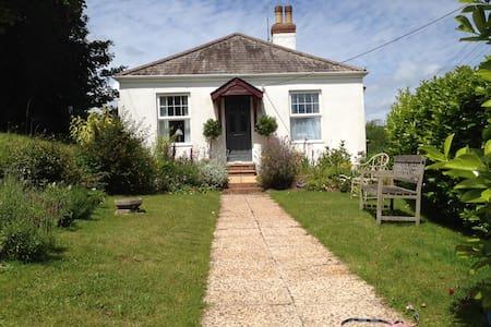 Beautiful seaside cottage - Budleigh Salterton - House