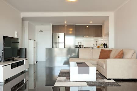 Modern Apartment With City Views - West End - Appartamento