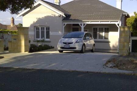 Olive Cottage -5 stars North Perth - North Perth