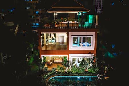 Villa Arabella Pattaya, Pool & Jacuzzi 227 - Muang Pattaya - 別荘