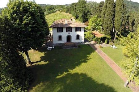 Affascinante podere toscano  - Camaiore - Villa