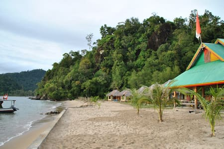 Ricky's Beach House - Padang - Bungalo