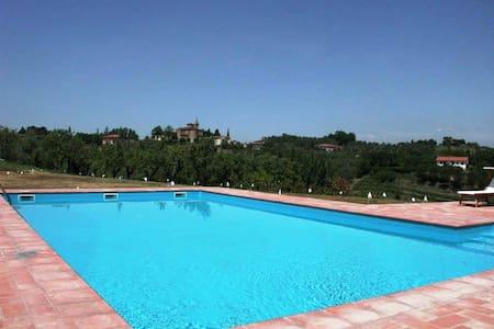 Stunning Villa in Tuscany - Cevoli