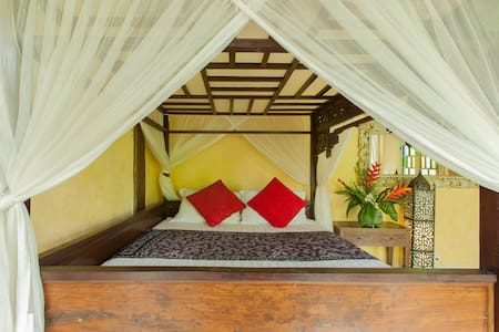 Poolside suite at Pondok Wahyu