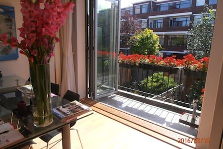 Ruim en licht appartement (120m2), 2 slaapkamers - Appartement