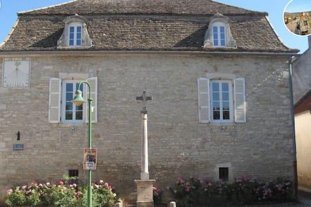 LE CADRAN SOLAIRE - Puligny-Montrachet - Casa