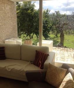 Villa in città a 700m dal mare - Molfetta - Villa