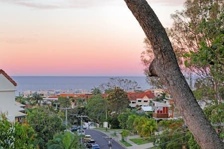 Getaway -middle of Sunshine Coast!