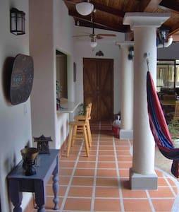 Costa Rica, Casa Condemar, Jaco