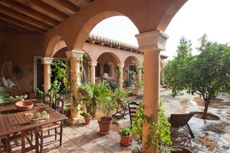 Casa M, a must in Majorca south - Santanyí - Bed & Breakfast
