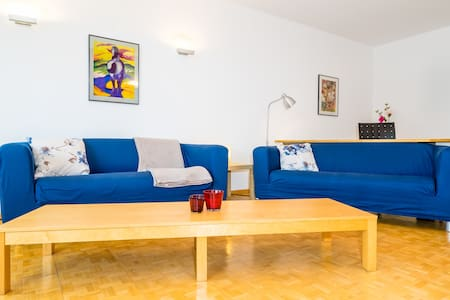 Spacious apartment with large swimming pool - Lejlighed