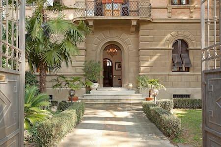 Cosetta Guesthouse - Ivory room - Certaldo
