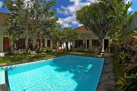 Rooms with AC/POOL JIMBARAN BEACH5 - Bed & Breakfast