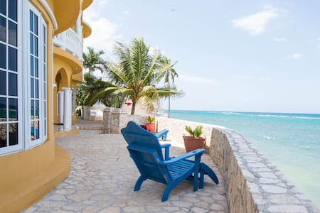 Water's Edge Villa - Montego Bay