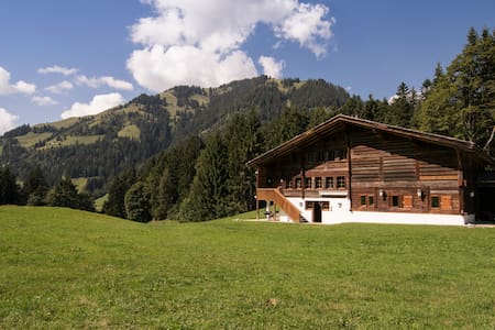 Gstaad - Great Luxurious Farmhouse - Casa