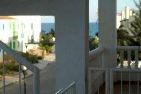 Apart. 2 habitacioes en vera playa - Pis