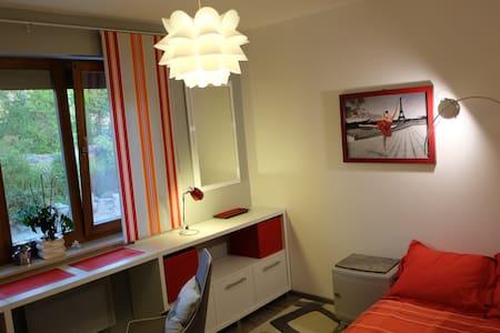 10m2 Room - La Roche-des-Arnauds