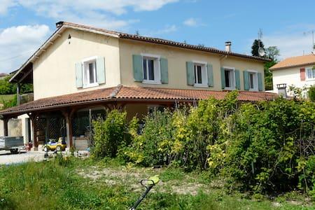 Maison à proximité d'Angoulême - Montmoreau-Saint-Cybard