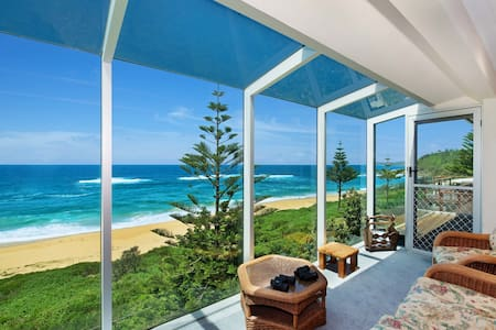 FABULOUS FORRESTERS - Family - Forresters Beach - Hus