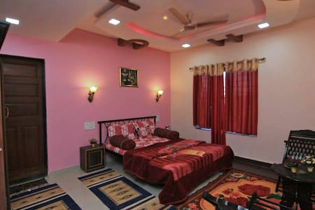 Bungalow in Posh Area of Panchgani - Satara - Bungalow
