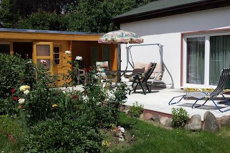 Haus mit großem Garten vor den Toren Berlin´s - Casa