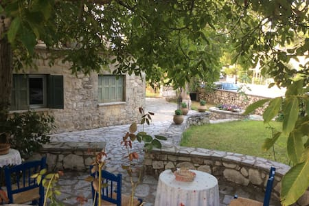 Villa Aspro-2 for Families/Couples - Haus