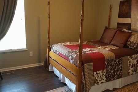 Comfortable and unique Atlanta Home - Lithia Springs