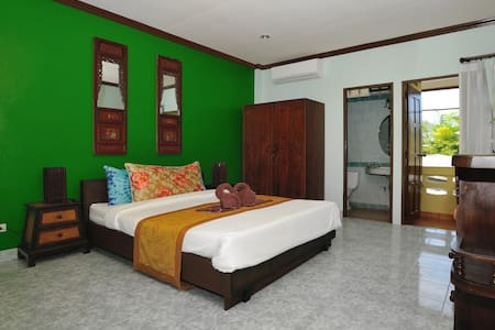 Ben's guesthouse (right on main road) - room 204 - Ko Samui