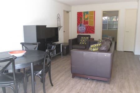Home away from home ,Kelvin Grove - Apartment