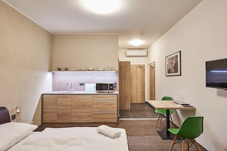 Volarik Apartments with panoramatical cityview - Mikulov - Bed & Breakfast