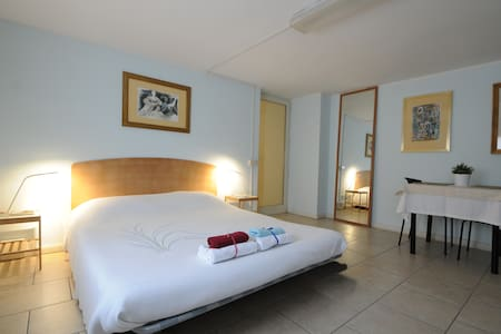 B&B Orvieto Centro Essere Blue Room - Bed & Breakfast