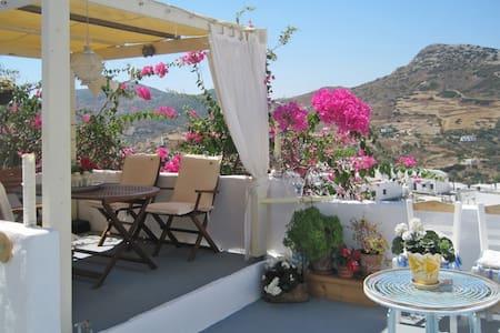 Gorgeous cottage w/ superb views - Skyros