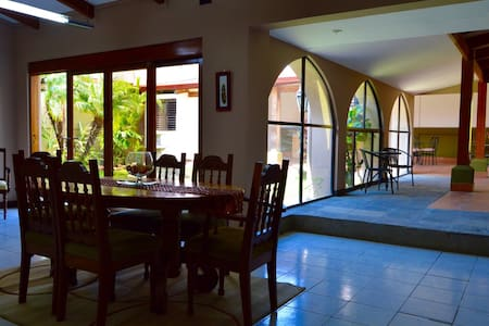 Room type: Entire home/apt Property type: House Accommodates: 10 Bedrooms: 5 Bathrooms: 4.5