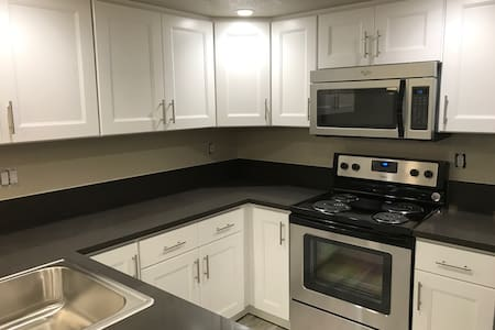 Just Remodeled - All new Furnishings! JR 1 BDRM - Orange